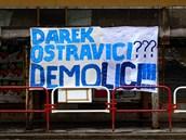 Takto vypadal poutač upozorňující na špatný stav Ostravice, který někdo ukradl.