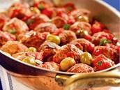 Masové kuličky s rajčaty a olivami