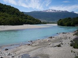 Azurové řeky v údolích jsou překrásné a bude ještě líp.