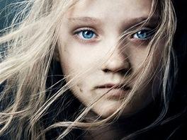 Isabelle Allenová na filmovém plakátu k filmu Bídníci