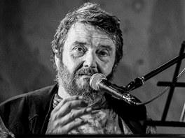 Jan Sp�len� p�i koncertu ve Skok�ch