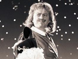 Z filmu Karla Zemana Baron Prášil (Karel Höger jako Cyrano z Bergeraku)