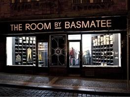 Prodejna The Room by Basmatee se soustředí na pánskou módu. Za návrhem stojí