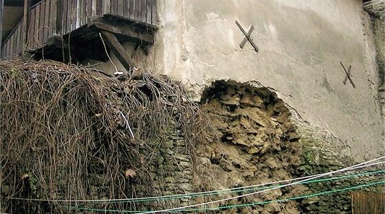 Koncem prosince se sesunula z boku Kouřimské brány část hradeb.