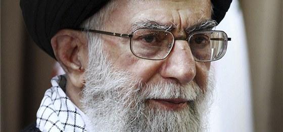 Nejvyšší íránský klerik Alí Chameneí na archivním snímku