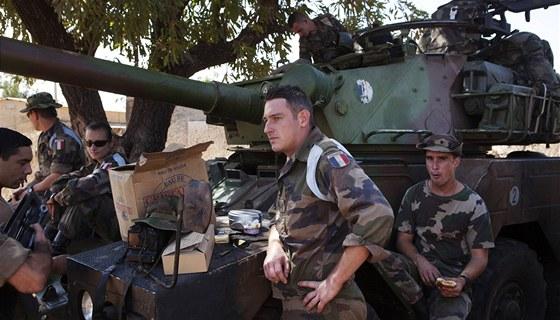 Francouzští vojáci na základně v Bamaku (16. ledna 2013)