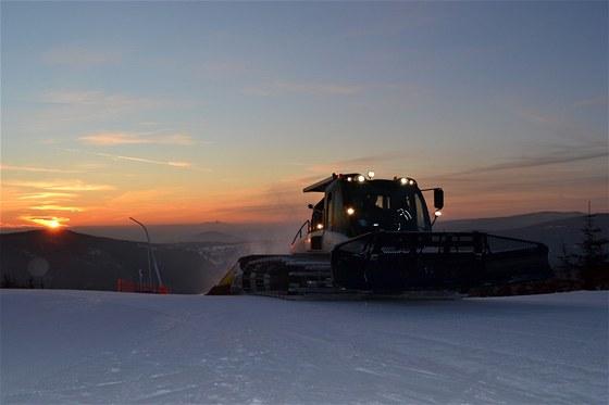 Do Skiareálu Harrachov na lyže, snowboard, běžky i za zážitky
