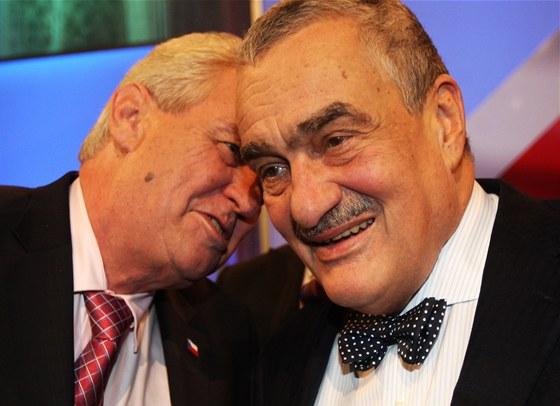 Milo� Zeman a Karel Schwarzenberg se setkali v druh� televizn� debat�.