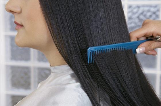 Chemické narovnávače vlasů mohou obsahovat až nebezpečně velké množství