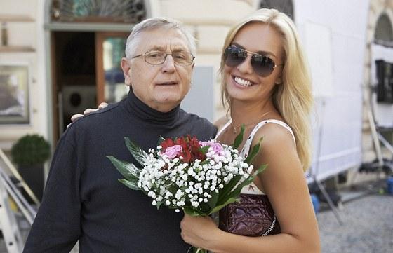 Taťána Kuchařová točila s Jiřím Menzelem film Sukničkáři.