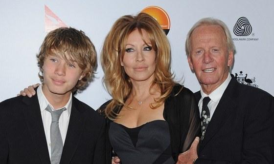 Linda Kozlowski, Paul Hogan a jejich syn Chance (2013)