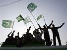 Stoupenci vlivného pákistánského duchovního Muhammada Tahira Kadrího v