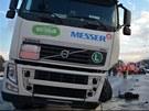 Srážka fabie s kamionem v Rudné ulici v Ostravě. (11. 1. 2013)