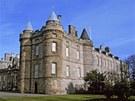 I Edinburghský hrad prý tíží krvavá minulost.
