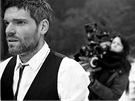 Mikoláš Růžička při natáčení klipu Waste of Time z desky Piano