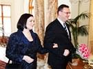 Petr a Radka Ne�asovi p�ich�zej� na tradi�n� novoro�n� ob�d s prezidentem...