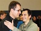 Propuštění počítačoví vývojáři Ivan Buchta (vlevo) a Martin Pezlar přiletěli ve