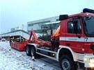 K zřícenému parkovišti vyjely na Zličín čtyři jednotky hasičů