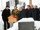 Rakev s ostatky slavné herečky spočine na hřbitově v Malenicích.