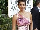 Halle Berry v hedvábných šatech Versace
