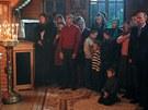 Putin na v�no�n� bohoslu�b� v So�i �dajn� vyd�sil mal�ho chlapce, kter� st�l