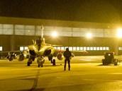 Francouzské bojové stroje Rafale před začátkem operace Serval v africkém Mali