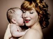 Vica Kerekes s čtyřměsíční Sárou