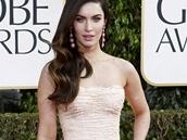 Megan Foxov� v pastelov� r�ov�ch �atech zna�ky Dolce&Gabbana