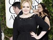 Zp�va�ka Adele ani tentokr�t nep�ekvapila, op�t p�i�la v �ern�ch �atech.