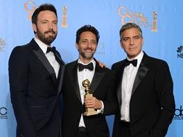 Herec a re�is�r Ben Affleck a producenti Grant Heslov s Georgem Clooneym se