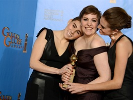 Zosia Mametov�, Lena Dunhamov� a Allison Williamsov� se Zlat�m gl�bem za seri�l