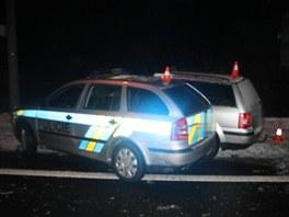 Foto ze závěru policejní honičky na Přerovsku, kdy policejnímu vozu přes tři