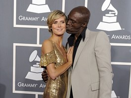 Heidi Klumov� a Seal - Grammy za rok 2010