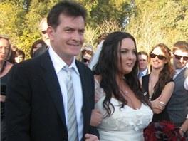 Charlie Sheen odvedl v roce 2010 dceru k olt��i