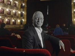 Vladim�r Franz p�ed gener�ln� zkou�kou svoj� opery podle rom�nu Karla �apka