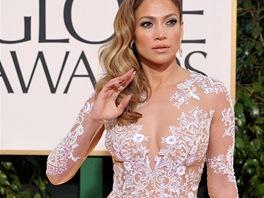 Jennifer Lopezov� v t�lov� r�b� s b�lou v�ivkou, kterou navrhl libanonsk�