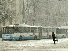 �esk�m trolejbus�m se zde vede dob�e.