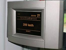 Ukazatel rychlosti v německém Intercity-Expressu