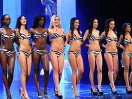 Miss Expat 2012 promenáda v plavkách