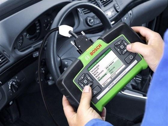 Diagnostická zařízení vám prozradí, co se ve vozidle děje