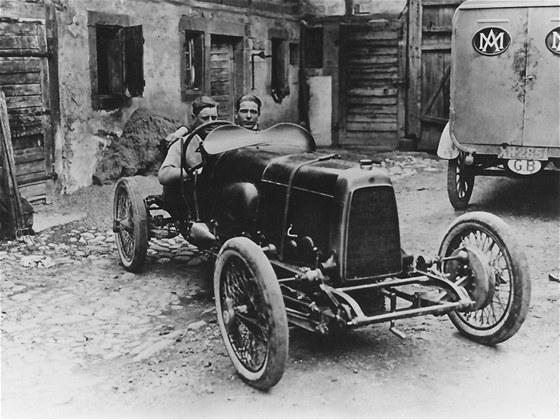 Aston Martin HP 11 z roku 1921 byl ur�en jen pro motoristick� sport.
