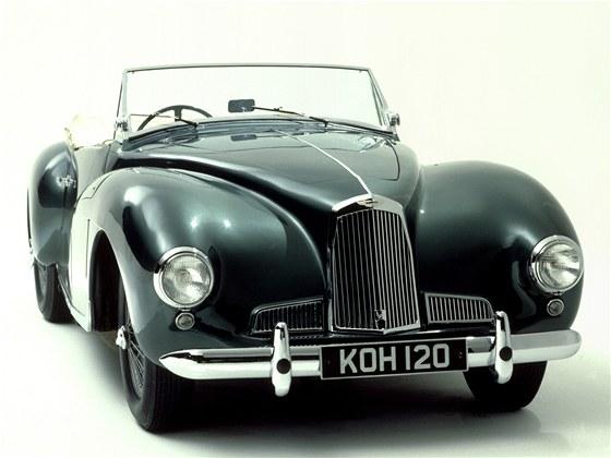 Po v�lce se firmy ujal David Brown, kter� cht�l auta i prod�vat. Model DB1 z