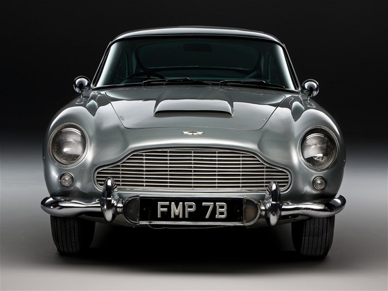 Aston DB5 z roku 1963 proslavil James Bond ve filmu Goldfinger, jezdil i v