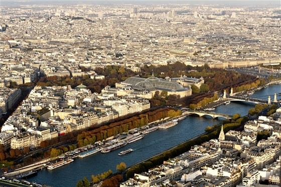Centrum Paříže z vrcholu Eiffelovy věže