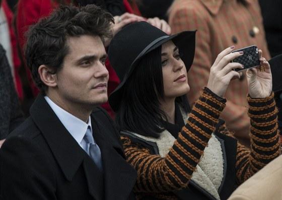 Katy Perry a John Mayer na inauguraci prezidenta Obamy.