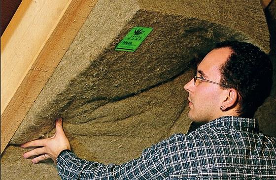 Manipulace s konopnými deskami je příjemná a nehrozí podráždění z úlomků