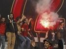 Fanoušci káhirského klubu Al Ahlí oslavují rozhodnutí soudu, který odsoudil 21