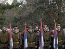 Královi podporovatelé na ceremonii k převezní ostatků Petera II. zpátky do...