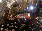 Krále zřejmě uloží do hrobky spolu s dalšími členy královské rodiny, jejichž...