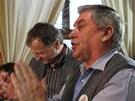 Zemanovi příznivci se radují v hospodě v Novém Veselí, bydlišti vítěze